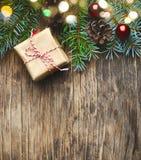 αφηρημένο ανασκόπησης Χριστουγέννων σκοτεινό διακοσμήσεων σχεδίου λευκό αστεριών προτύπων κόκκινο Δώρο Χριστουγέννων, δέντρο και  Στοκ εικόνα με δικαίωμα ελεύθερης χρήσης