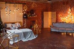 αφηρημένο ανασκόπησης Χριστουγέννων σκοτεινό διακοσμήσεων σχεδίου λευκό αστεριών προτύπων κόκκινο Σοφιτών δωμάτιο που διακοσμείτα Στοκ Εικόνα