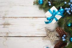 αφηρημένο ανασκόπησης Χριστουγέννων σκοτεινό διακοσμήσεων σχεδίου λευκό αστεριών προτύπων κόκκινο Μπλε διακοσμήσεις στο λευκό Στοκ φωτογραφία με δικαίωμα ελεύθερης χρήσης