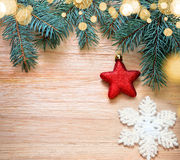 αφηρημένο ανασκόπησης Χριστουγέννων σκοτεινό διακοσμήσεων σχεδίου λευκό αστεριών προτύπων κόκκινο Πεύκο και κόκκινο αστέρι Στοκ Εικόνα