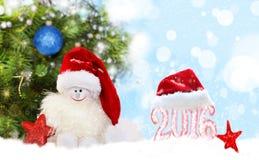 αφηρημένο ανασκόπησης Χριστουγέννων σκοτεινό διακοσμήσεων σχεδίου λευκό αστεριών προτύπων κόκκινο Χιονάνθρωπος στο καπέλο santa Στοκ Φωτογραφία