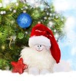 αφηρημένο ανασκόπησης Χριστουγέννων σκοτεινό διακοσμήσεων σχεδίου λευκό αστεριών προτύπων κόκκινο Χιονάνθρωπος στο καπέλο santa Στοκ φωτογραφίες με δικαίωμα ελεύθερης χρήσης