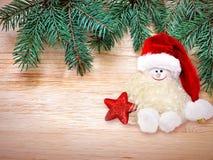 αφηρημένο ανασκόπησης Χριστουγέννων σκοτεινό διακοσμήσεων σχεδίου λευκό αστεριών προτύπων κόκκινο Χιονάνθρωπος στο καπέλο santa Στοκ Εικόνα