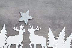 αφηρημένο ανασκόπησης Χριστουγέννων σκοτεινό διακοσμήσεων σχεδίου λευκό αστεριών προτύπων κόκκινο Άσπρες διακοσμήσεις δέντρων σε  Στοκ Εικόνα