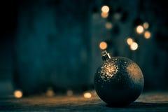 Αφηρημένο θολωμένο σφαίρα ελαφρύ υπόβαθρο Χριστουγέννων, grunge backgro Στοκ φωτογραφία με δικαίωμα ελεύθερης χρήσης