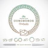 Αφηρημένο διανυσματικό άπειρο σύμβολο φιδιών Ouroboros, σημάδι ή ένας κατασκευαστής λογότυπων στο ύφος γραμμών ελεύθερη απεικόνιση δικαιώματος