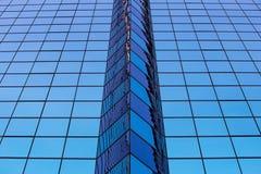 Αφηρημένο μπλε γυαλί παραθύρων γραφείων Στοκ Εικόνες