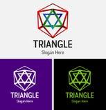 Αφηρημένο λογότυπο τριγώνων βουνών Στοκ εικόνα με δικαίωμα ελεύθερης χρήσης