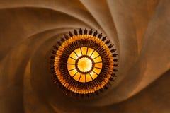Αφηρημένο πρότυπο των στροβίλων αναμμένο από το στρογγυλό φως Στοκ φωτογραφία με δικαίωμα ελεύθερης χρήσης