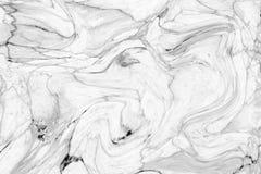 Αφηρημένο σχέδιο κυμάτων, άσπρο γκρίζο μαρμάρινο υπόβαθρο σύστασης μελανιού Στοκ Φωτογραφία