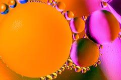 Αφηρημένο υπόβαθρο διαστήματος ή κόσμου πλανητών Αφηρημένο sctructure μορίων μπλε ύδωρ φυσαλίδων λουτρών ανασκόπησης Μακρο πυροβο Στοκ Φωτογραφία