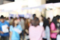 αφηρημένο υπόβαθρο θαμπάδων των ανθρώπων στις αγορές mal Στοκ φωτογραφία με δικαίωμα ελεύθερης χρήσης