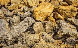 Αφηρημένο υπόβαθρο λεπτομέρειας σωρών βράχου της τυχαίας πέτρας Στοκ Φωτογραφία
