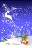 Αφηρημένο υπόβαθρο Χριστουγέννων του ταράνδου που πετά πέρα από το χωριό - απεικόνιση eps10 ελεύθερη απεικόνιση δικαιώματος