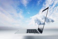 Υπολογισμός σύννεφων και έννοια συσκευών στοκ εικόνες