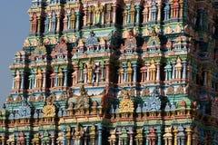 αφιερωμένο gopura ινδή Ινδία nadu meenakshi Λόρδου Madurai ένας άλλος νότιος sundareswarar tamil ναός γλυπτών στο δίδυμο πύργων π Στοκ φωτογραφία με δικαίωμα ελεύθερης χρήσης