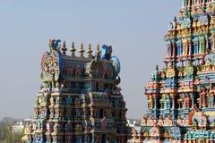 αφιερωμένο gopura ινδή Ινδία nadu meenakshi Λόρδου Madurai ένας άλλος νότιος sundareswarar tamil ναός γλυπτών στο δίδυμο πύργων π Στοκ Φωτογραφίες