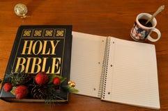 Αφοσιώσεις πρωινού διακοπών Βίβλων ΧΡΙΣΤΟΥΓΕΝΝΩΝ (διάστημα κειμένων) Στοκ φωτογραφίες με δικαίωμα ελεύθερης χρήσης
