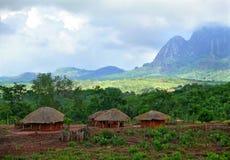 Αφρική, Μοζαμβίκη, Naiopue. Εθνικό αφρικανικό χωριό Στοκ Φωτογραφία