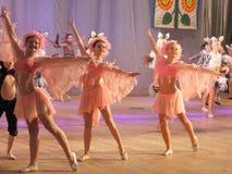 Αφρικανικά ζώα ιστορίας χορού παιδιών Στοκ φωτογραφία με δικαίωμα ελεύθερης χρήσης