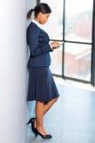 Αφρικανική γυναίκα σταδιοδρομίας στοκ φωτογραφία με δικαίωμα ελεύθερης χρήσης