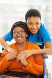 Αφρικανική γυναίκα caregiver στοκ φωτογραφίες