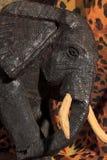 Αφρικανική τέχνη και γλυπτά φιαγμένες από ebony ξύλινη γλυπτική στοκ φωτογραφίες