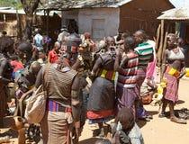 Αφρικανικοί λαοί στην αγορά Στοκ εικόνες με δικαίωμα ελεύθερης χρήσης