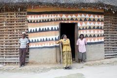 Αφρικανικοί λαοί στο σπίτι Στοκ φωτογραφία με δικαίωμα ελεύθερης χρήσης