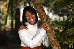 Αφρικανικός-αμερικανικό χαμόγελο γυναικών Στοκ εικόνες με δικαίωμα ελεύθερης χρήσης