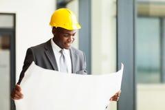 Αφρικανικός επιχειρηματίας κατασκευής Στοκ φωτογραφία με δικαίωμα ελεύθερης χρήσης