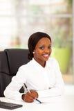 Αφρικανικός εργαζόμενος γραφείων Στοκ Εικόνα