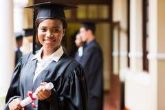 Αφρικανικός πανεπιστημιακός πτυχιούχος Στοκ εικόνα με δικαίωμα ελεύθερης χρήσης