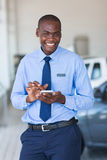 Αφρικανικός πωλητής αυτοκινήτων Στοκ Εικόνες