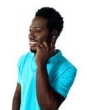 αφρικανικός τύπος επικοινωνίας κινητών τηλεφώνων μέσω Στοκ φωτογραφία με δικαίωμα ελεύθερης χρήσης