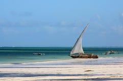 αφρικανικό κεντρικό sailboat ψαρά&d Στοκ εικόνα με δικαίωμα ελεύθερης χρήσης