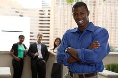 Αφρικανός έξω από την ομάδα στοκ εικόνες με δικαίωμα ελεύθερης χρήσης