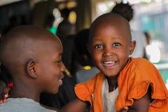 Αφρικανός λίγο μεγάλο κοίταγμα ματιών πορτρέτου αγοριών παιδιών Στοκ Εικόνες
