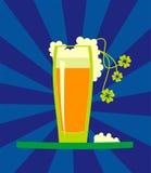 αφρώδης μπύρα beake Στοκ εικόνες με δικαίωμα ελεύθερης χρήσης