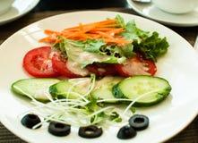 λαχανικά χυμού γυαλιού πιάτων γευμάτων Στοκ Εικόνα