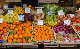 λαχανικό αγοράς καρπού τη&s Στοκ φωτογραφίες με δικαίωμα ελεύθερης χρήσης