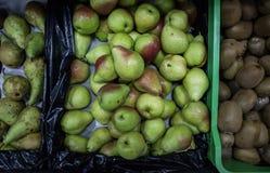 Αχλάδια στην υπεραγορά στοκ εικόνα με δικαίωμα ελεύθερης χρήσης