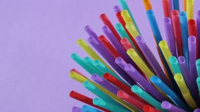 αχύρου ζωηρόχρωμη πλήρης οθόνη υποβάθρου κατανάλωσης αχύρων πλαστική μιάς χρήσεως φιλμ μικρού μήκους