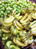 αχλάδια μπανανών Στοκ φωτογραφία με δικαίωμα ελεύθερης χρήσης