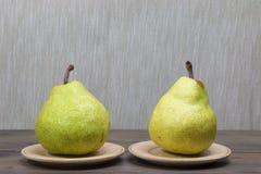 αχλάδια δύο στοκ φωτογραφίες με δικαίωμα ελεύθερης χρήσης