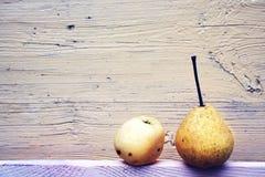 Αχλάδι και μήλο Στοκ Εικόνες