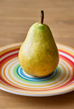 Αχλάδι στο πιάτο Στοκ Φωτογραφία