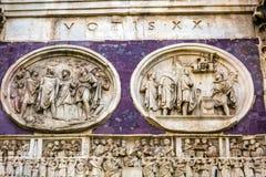 Αψίδα γλυπτών αγαλμάτων του Constantine Ρώμη Ιταλία Στοκ Εικόνες