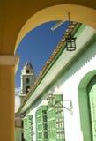 αψίδα ζωηρόχρωμη Κούβα Τριν Στοκ εικόνα με δικαίωμα ελεύθερης χρήσης