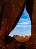 Αψίδα δακρυ'ων κοιλάδων μνημείων στοκ φωτογραφία με δικαίωμα ελεύθερης χρήσης